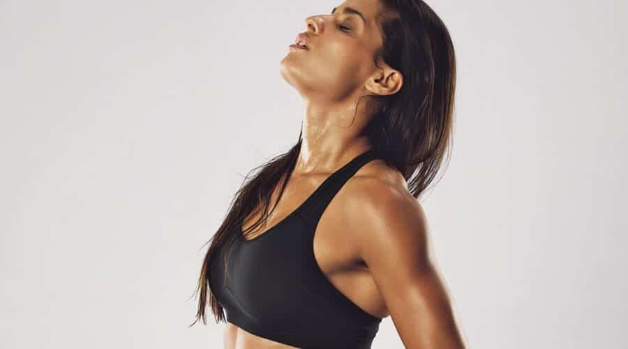 7 mögliche Gründe, warum deine Brüste schmerzen - FitnFemale®