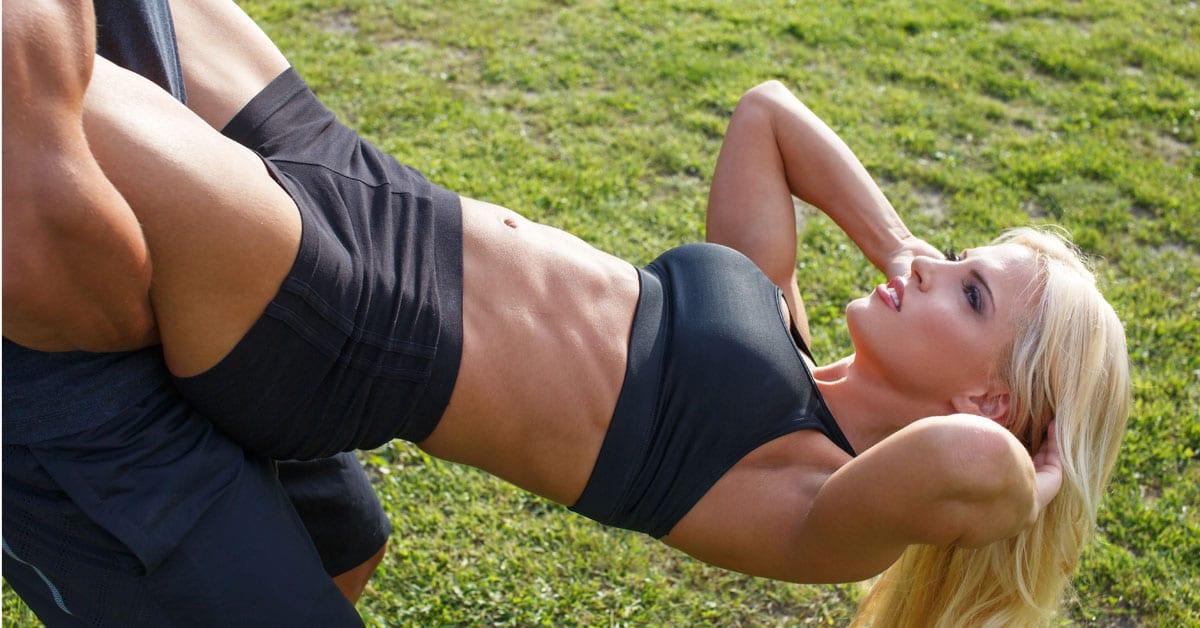 Die 25 besten Übungen für die untere Bauchmuskulatur - FitnFemale®